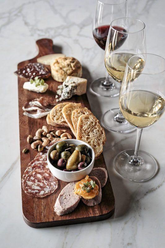 Wijn en borrelen